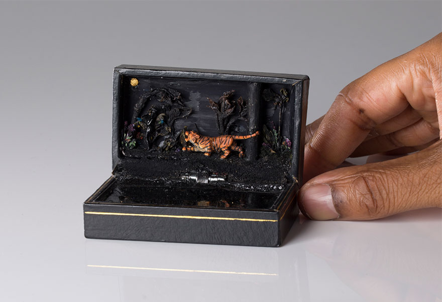 antique-ring-box-mini-diorama-talwst-15