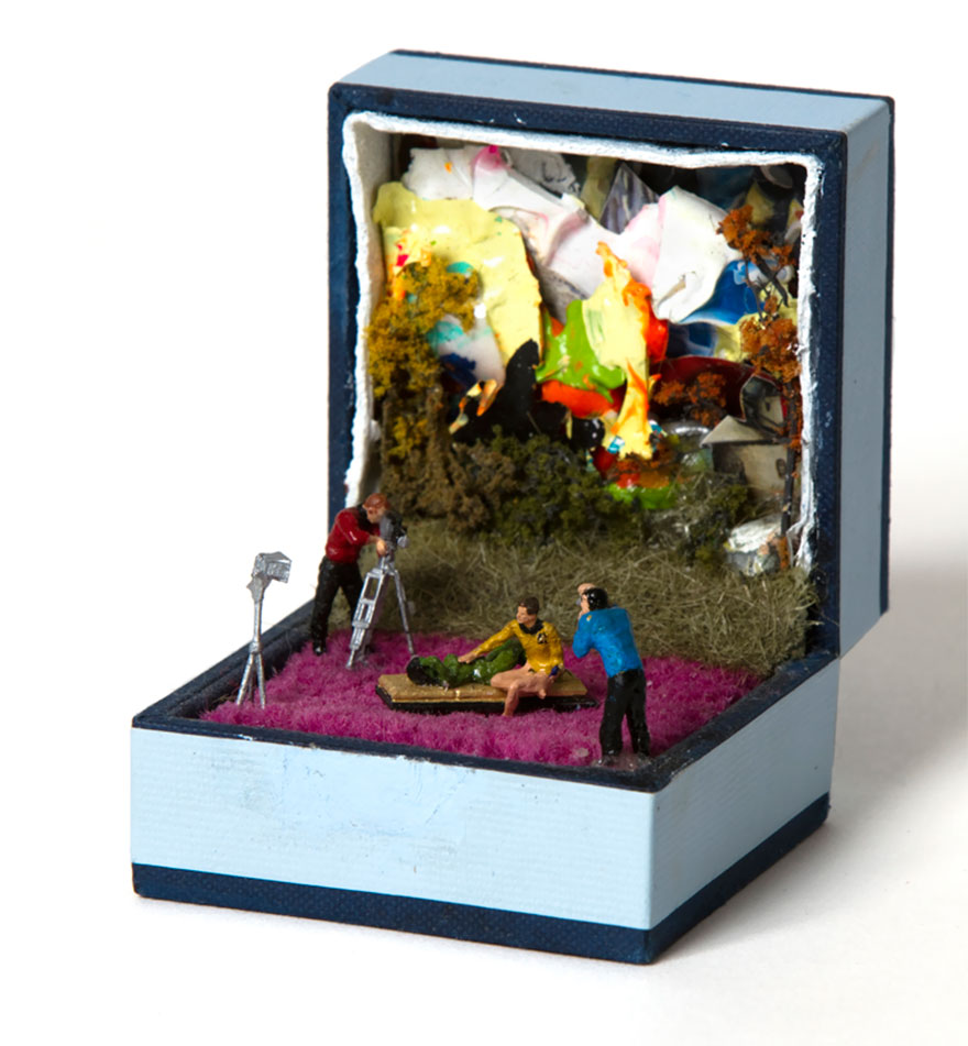 antique-ring-box-mini-diorama-talwst-16