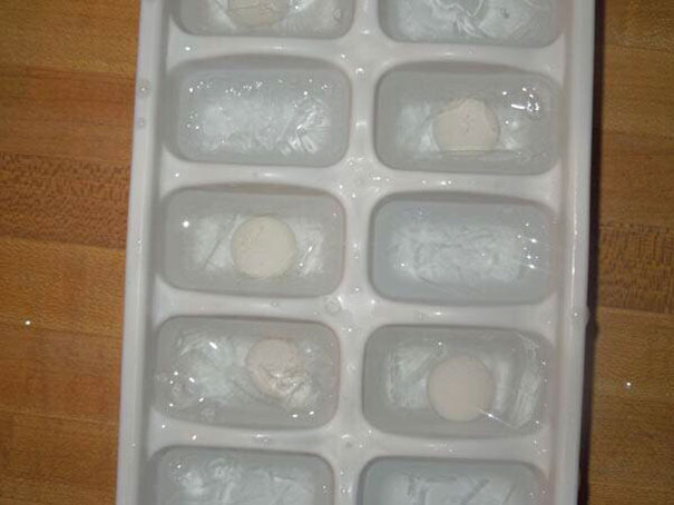Make Mentos Ice Bombs For Your Friends That Love Soda