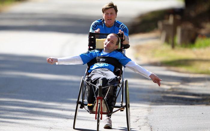 Padre e hijo compiten juntos en eventos deportivos, maratones incluidas