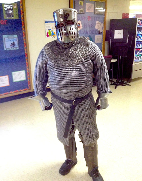 History Teacher Dresses Up To Get Kids Interested In Learning