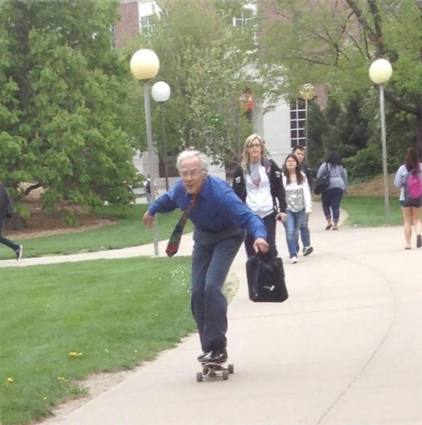 Teacher Skates To His Classes Everyday