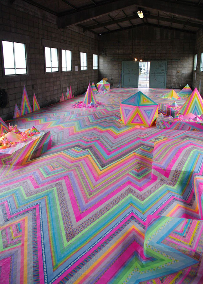 candy-floor-installation-pin-and-pop-tanya-schultz-3