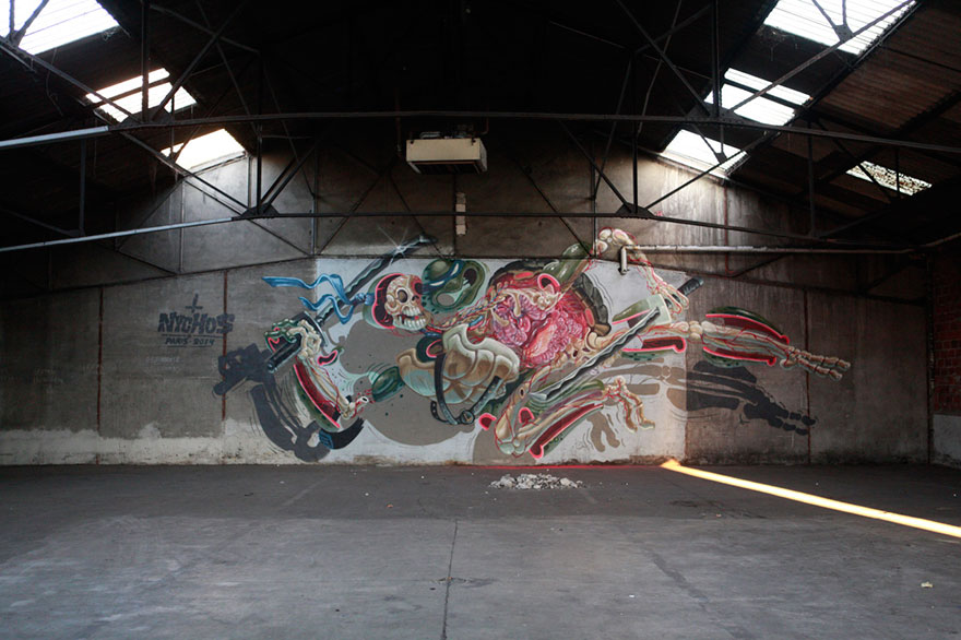 character-animal-dissection-street-art-nychos-10