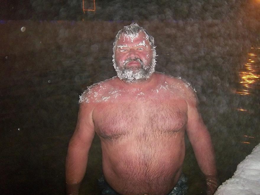 icy-hair-freezing-contest-takhini-hot-springs-10
