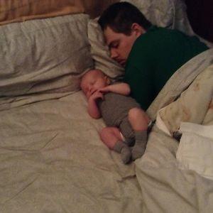 Durmiendo con papá