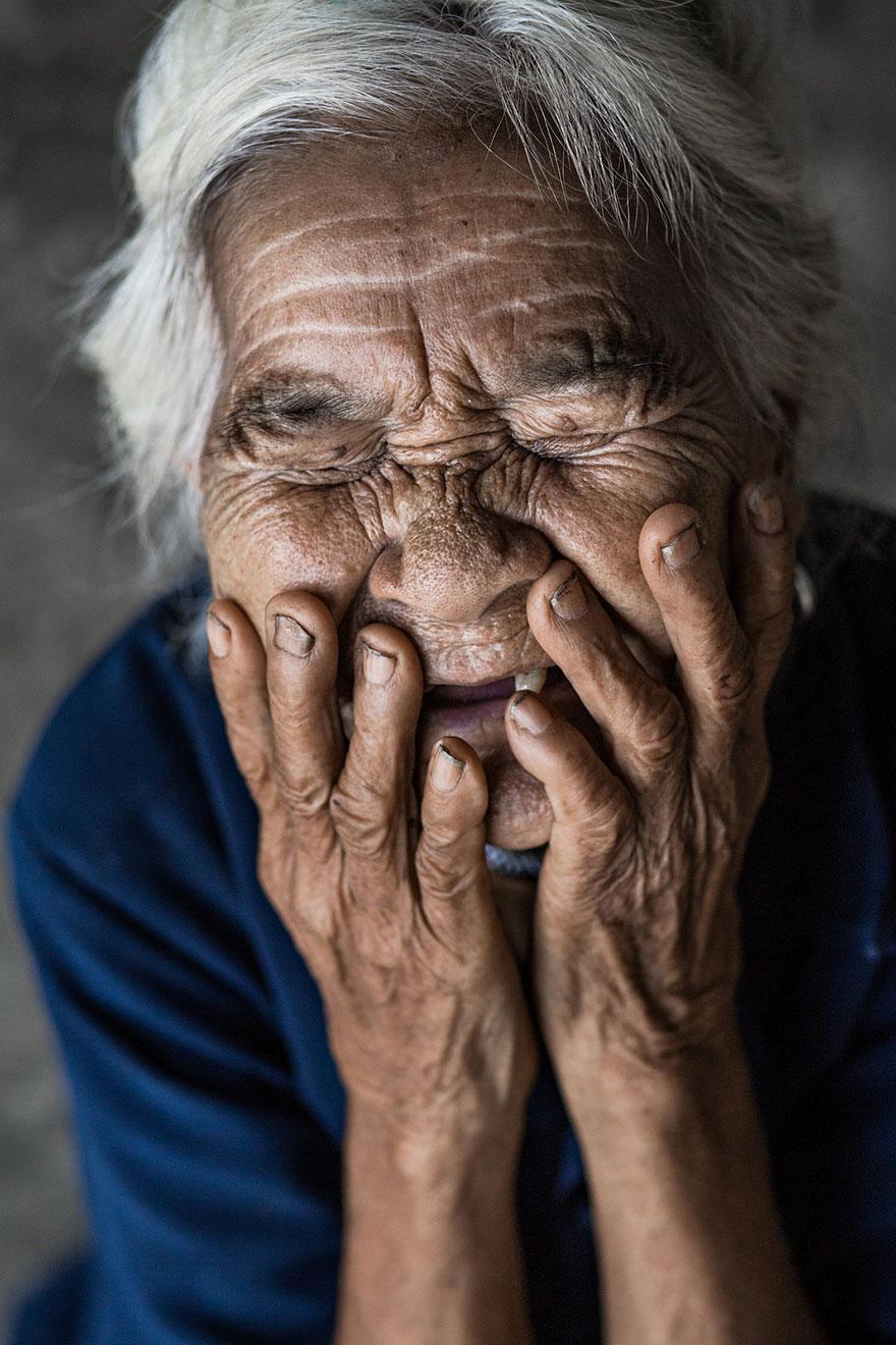portrait-photography-hidden-smiles-vietnam-rehahn-2