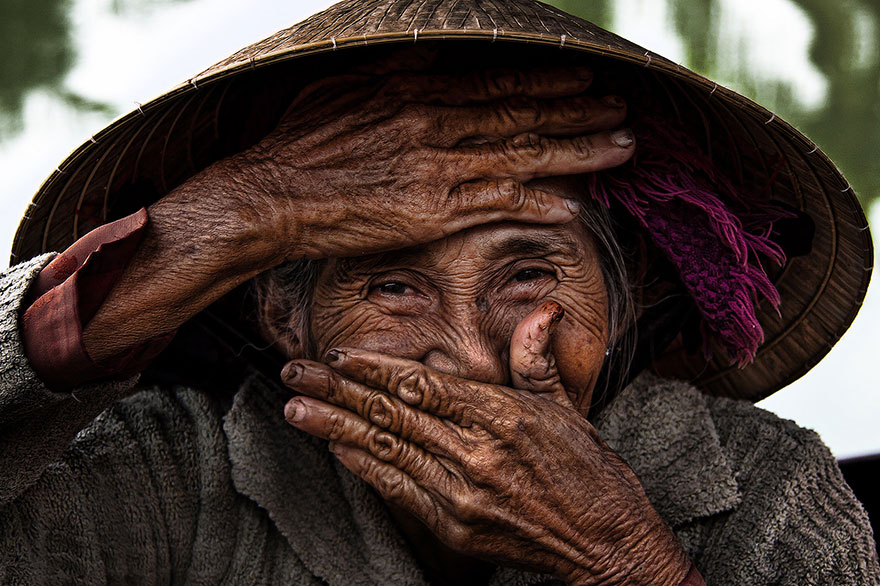 portrait-photography-hidden-smiles-vietnam-rehahn-6