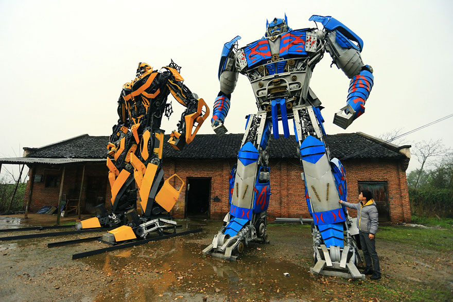 recycled-scrap-metal-sculpture-transformers-father-son-farmer-china-8