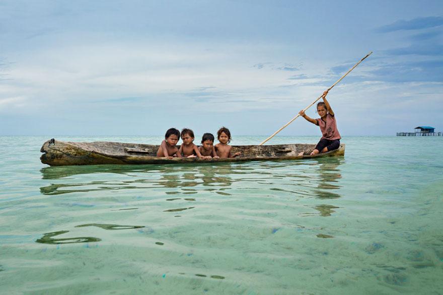 mar-tribu-gitanos-la-Bajaus-rehan-borneo-11