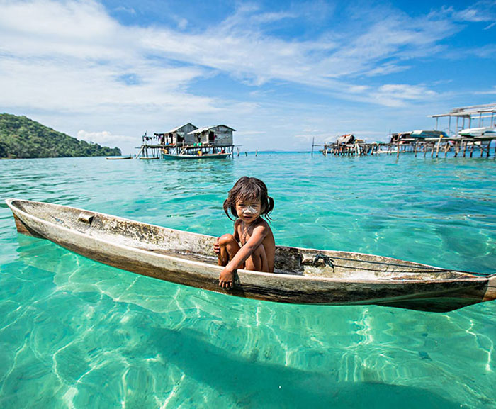 Sea Gypsies: A Tribe In Borneo Living In Their Own Little Paradise