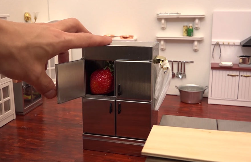 tiny-cakes-toy-kitchen-miniature-space-4