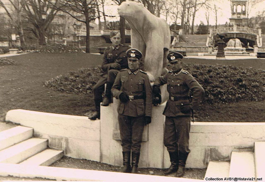 war-photographs-recreated-pierre-remi-mazille-france-23