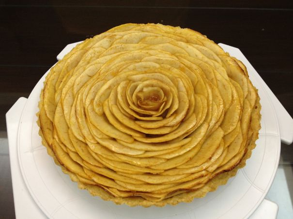 Huge Apple Rose Pie :d