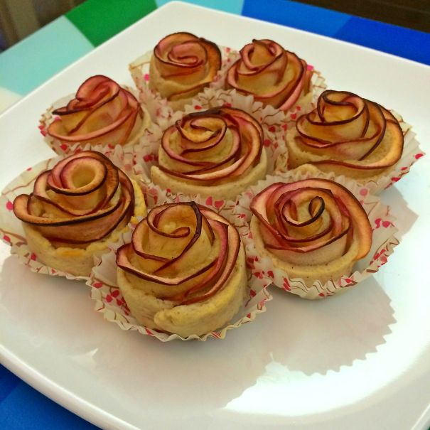 Mini Rose Apple Pie