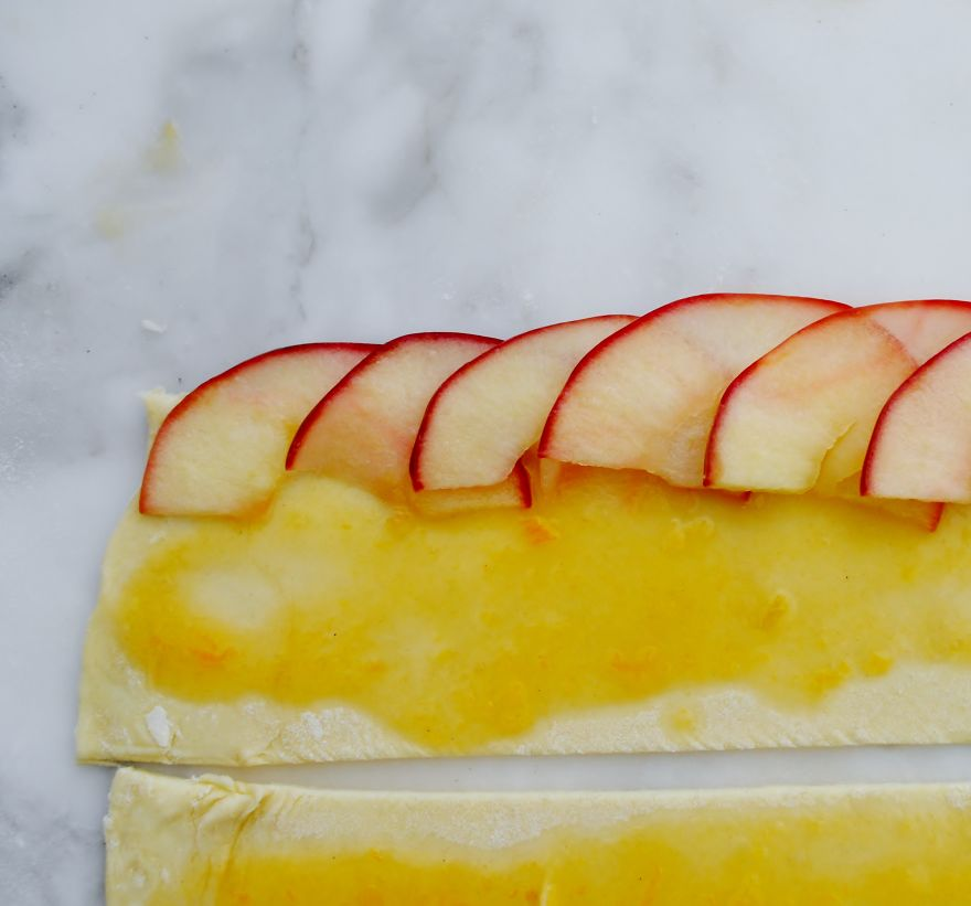 This Rose Is Actually A Delicious Apple Dessert