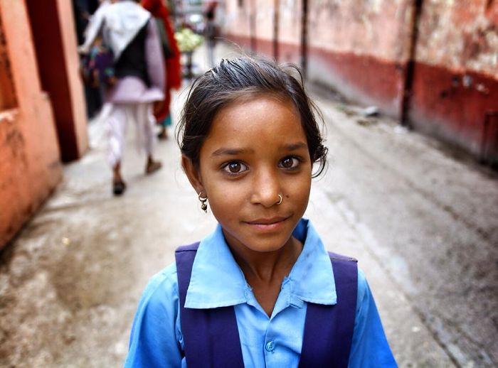 Russian Photographer Captures Indian Children