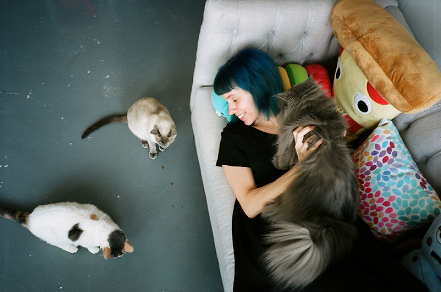 Girls And Their Cats  My Photos Of New York Women With Their Furry ... 60351d526d84a