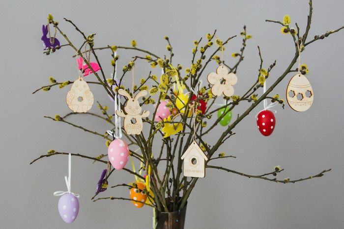 How These Cute Easter Tree Decorations Was Made?