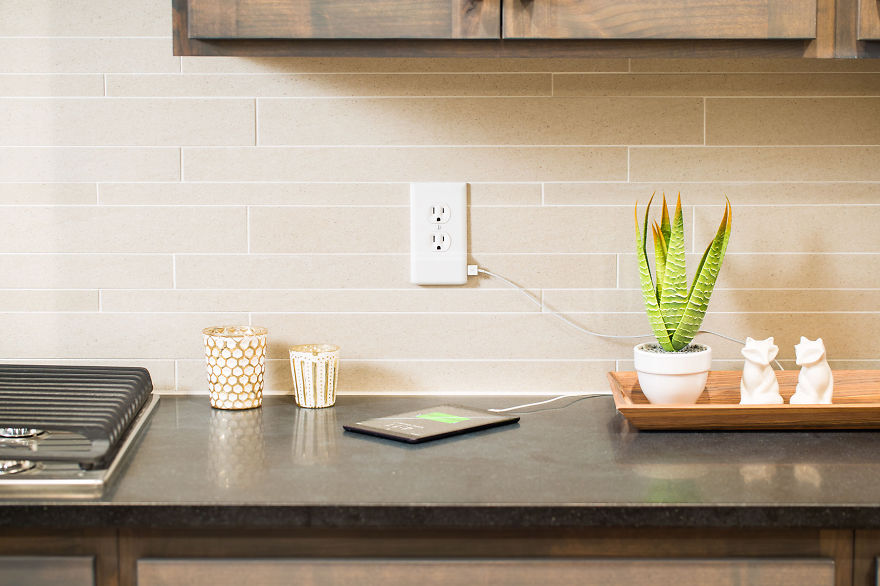 Outlet Plate Turns Your Wall Into A USB Charger