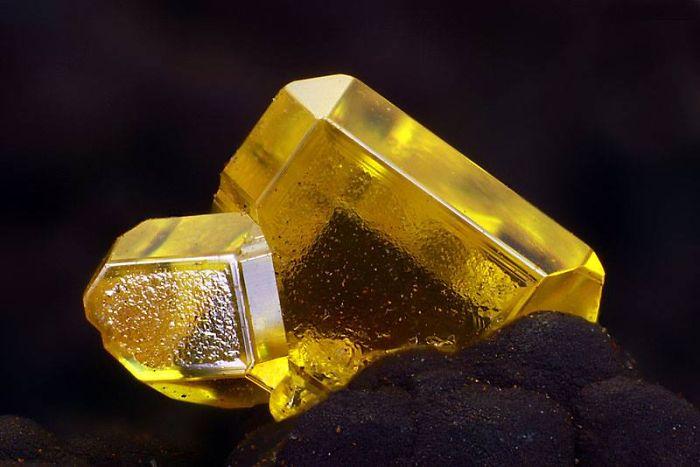 Wulfenite Crystal