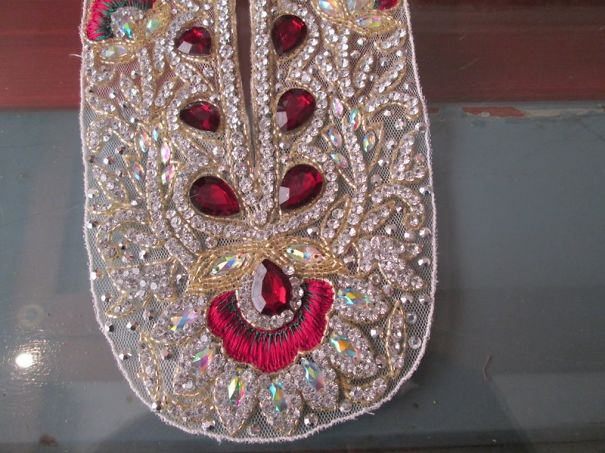 This Saree Border Looks Like A Ruby Monster Mocking Us