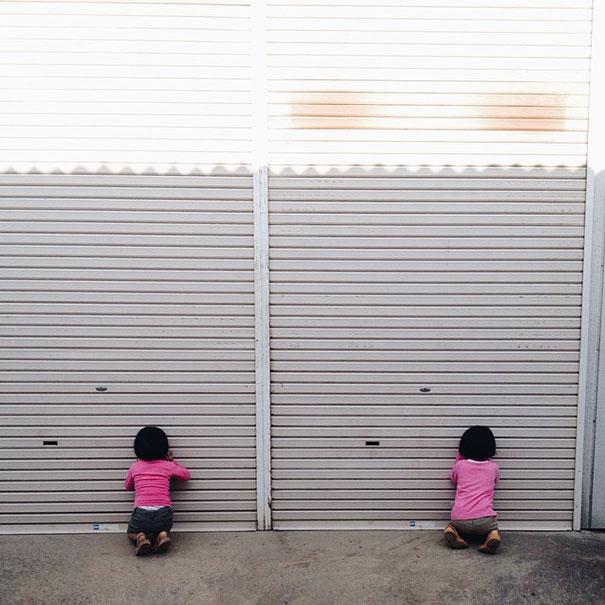 childhood-twin-sisters-family-pictures-sunmoooon-akira-oozawa-3