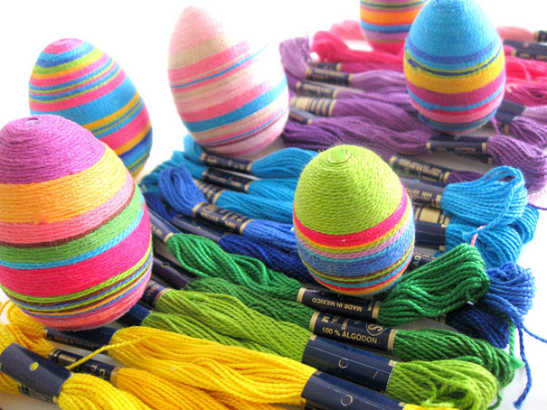 Wrap Eggs With Colored Thread