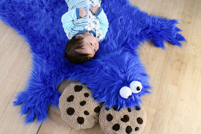 Diy Cookie Monster Fur Rug With Cookie Pillows Bored Panda