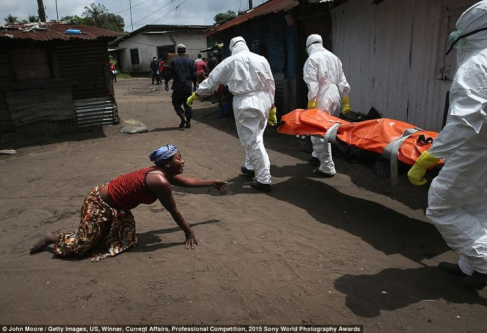 Images Of Ebola Outbreak Take Top Prize At World Photography Awards
