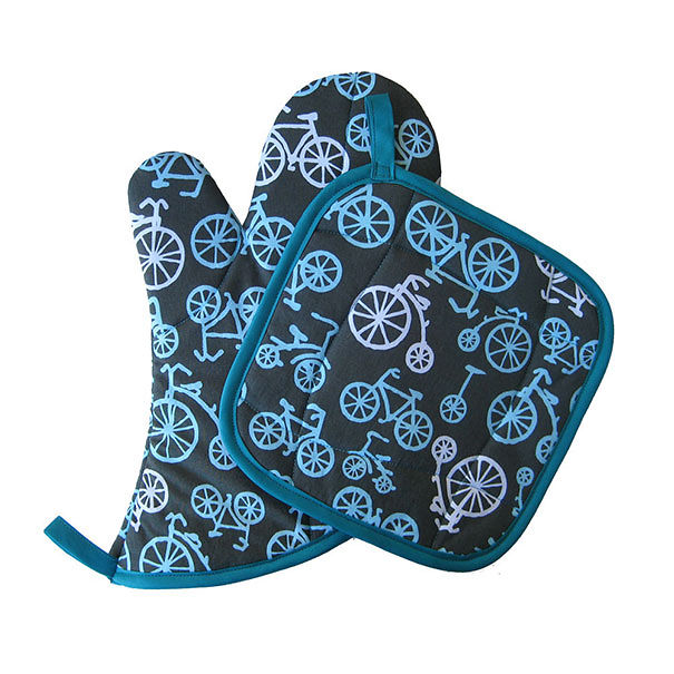 Bicycles Oven Mitt And Pot Holder Set