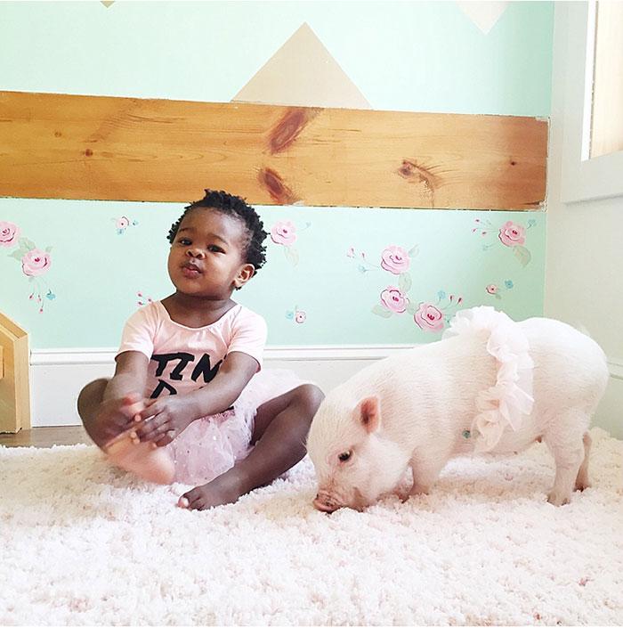 girl-piglet-friendship-tutu-twins-libby-pearl-9