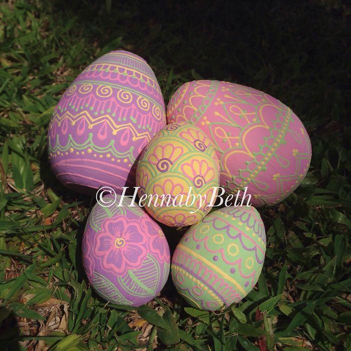 Henna-style Eggs
