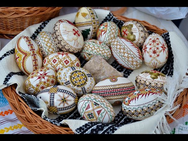 "Easter Eggs From Northern Romania - ""oua Inchistrite"""