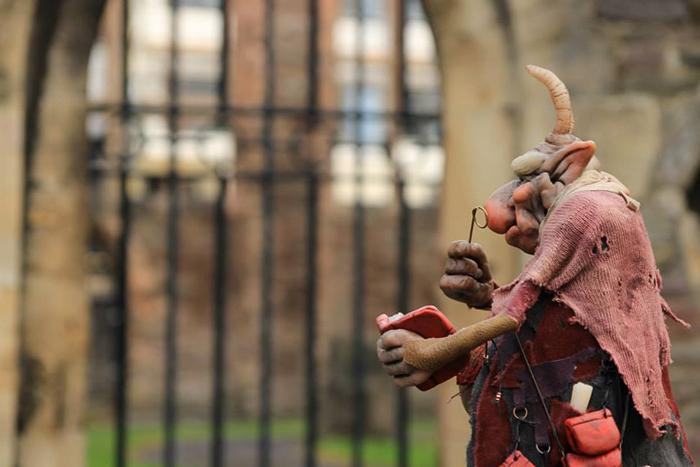 strange-creatures-sculptures-gnomes-17