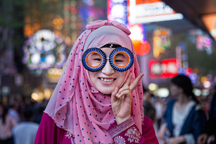 Iranian Artist Takes Bizarre Eyeware Into The Streets Of Shanghai