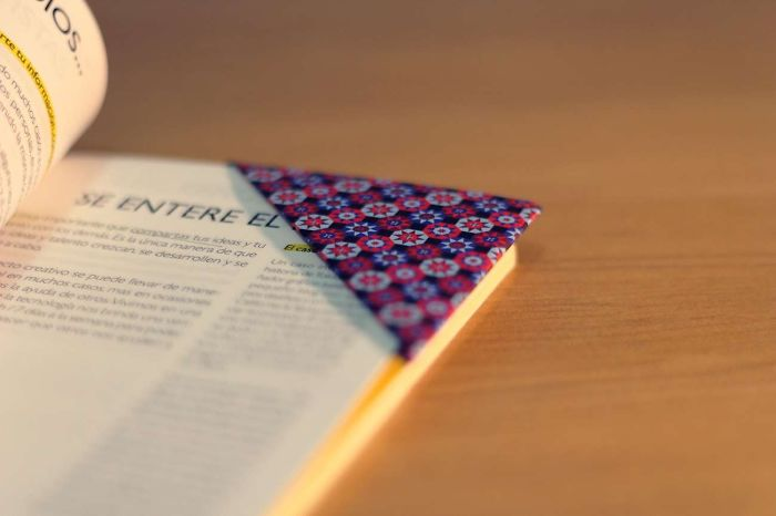 How To Make A Bookmark With Paper