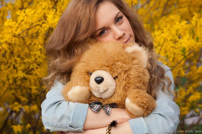 Nikolina & Mr. Bear
