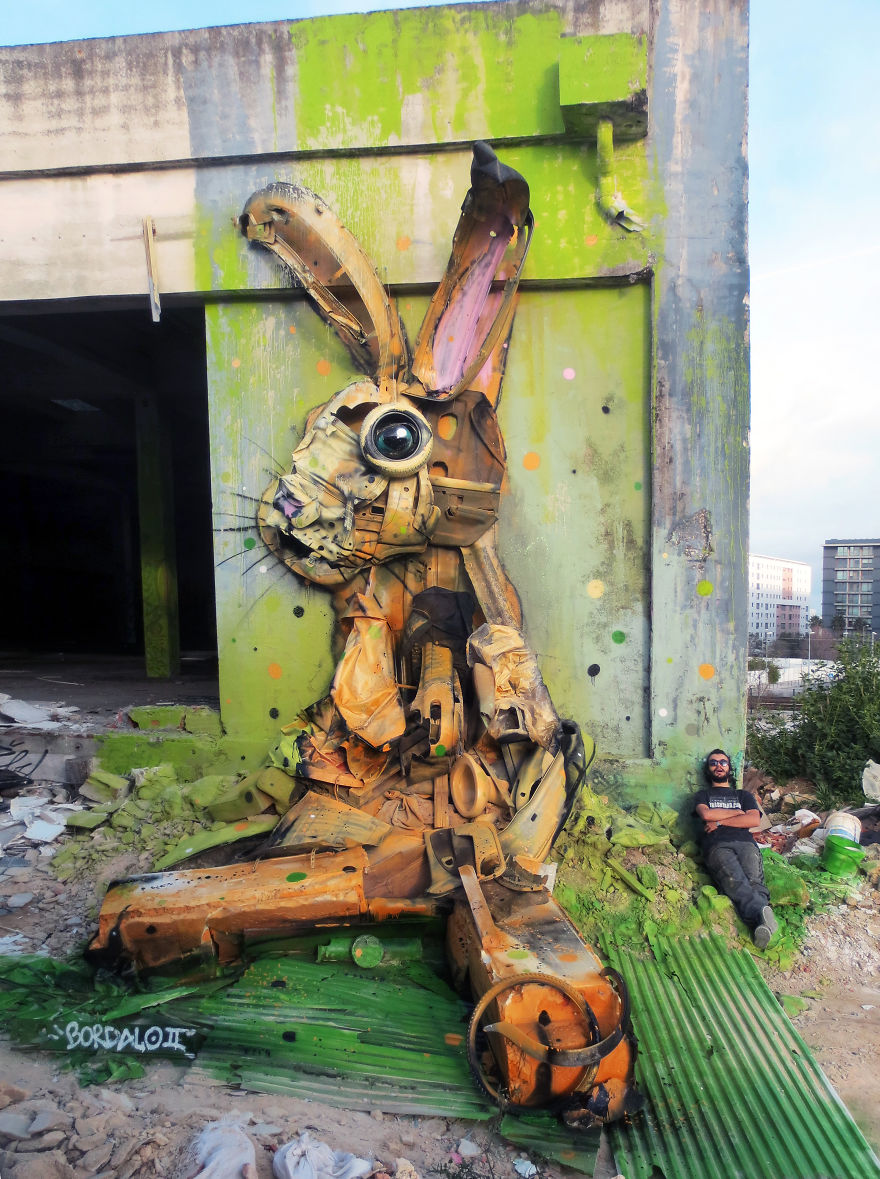 Big Trash Animals: Artist Turns Junk Into Animals To Remind Us About Pollution