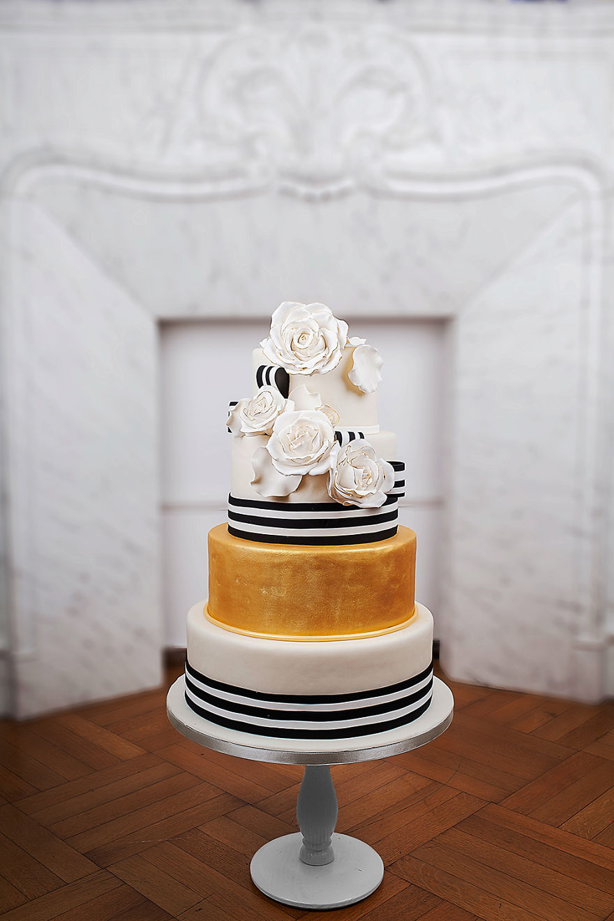 haute couture wedding cakes with unique designs bizarrefeeds. Black Bedroom Furniture Sets. Home Design Ideas