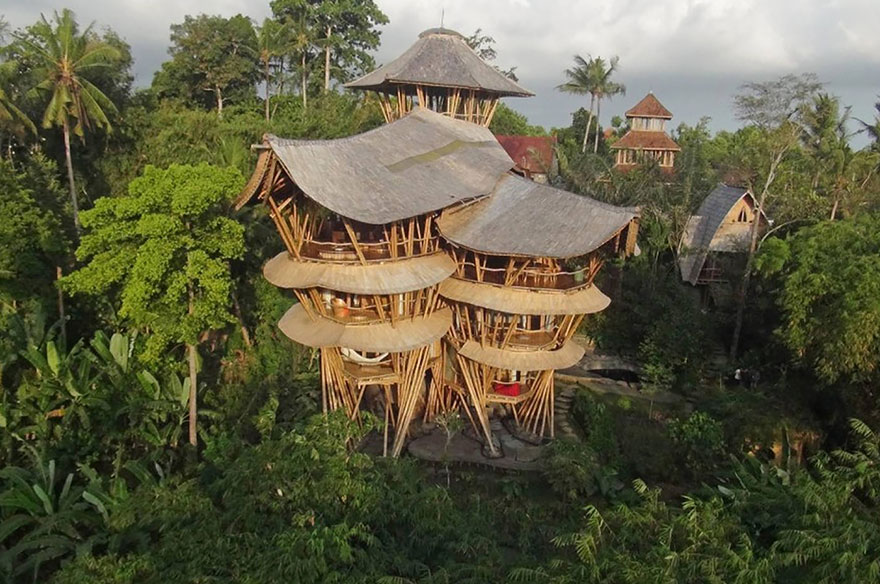 bamboo-house-ted-talk-sharma-springs-elora-hardy-ibuku-bali-10