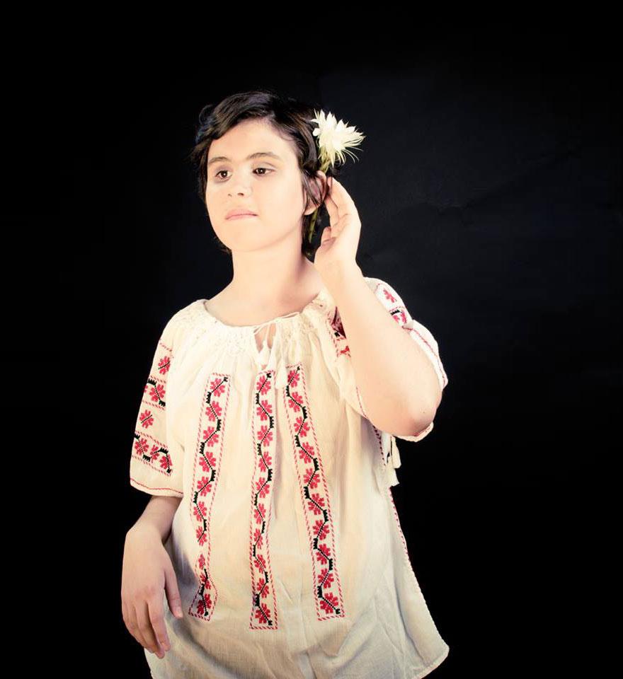 beauty-blind-girls-simona-cristea-adela-vrinceanu-3