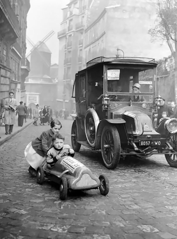 Children Playing In Paris, 1920s
