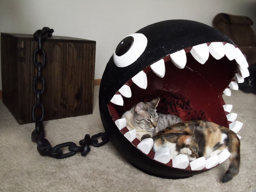 I made a bed for my cat inspired by super mario s chain chomp monster bored - Panier pour chat design ...