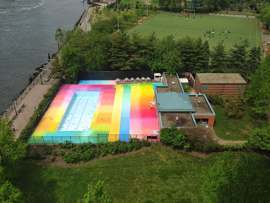 colorful-swimming-pool-installation-asylum-hot-tea-roosevelt-island4