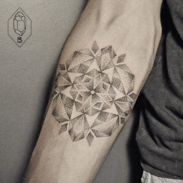 dotwork-line-geometric-tattoo-bicem-sinik-31
