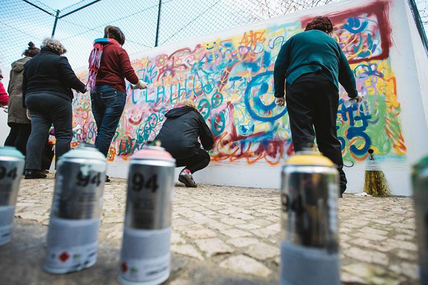 elderly-paint-graffiti-lisbon-lata-65-11
