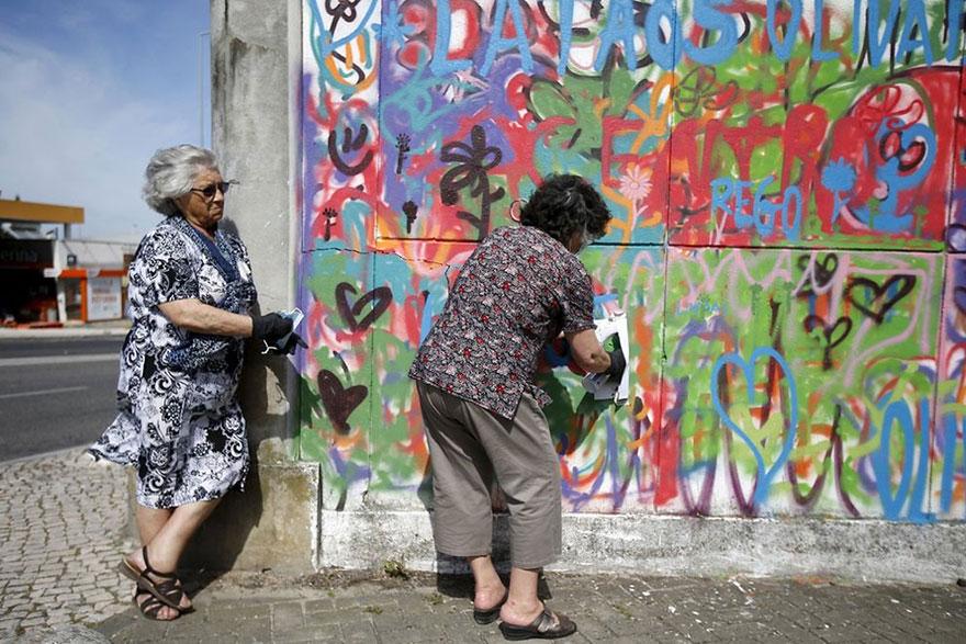 Image of: Old Man Elderlypaintgraffitilisbonlata657 Bored Panda Awesome Elderly Street Artists Destroy Age Stereotypes In Portugal