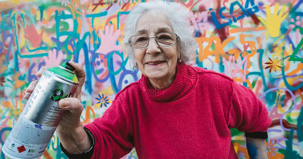Image of: Watercolor Awesome Elderly Street Artists Destroy Age Stereotypes In Portugal Bored Panda Awesome Elderly Street Artists Destroy Age Stereotypes In Portugal