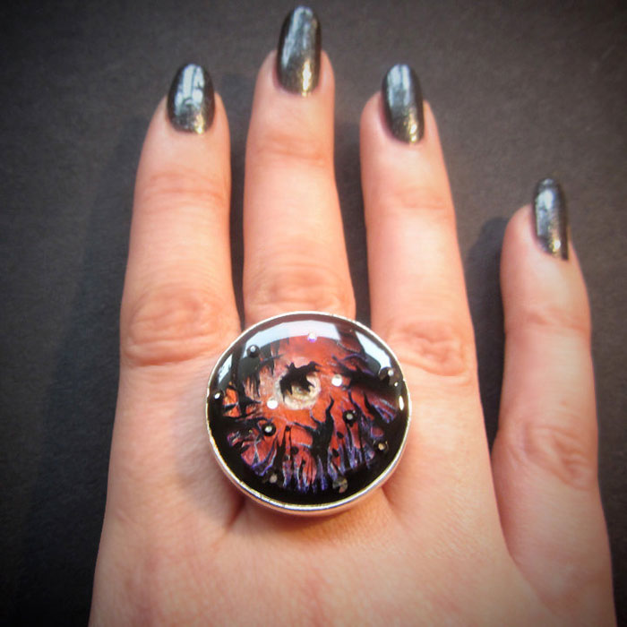 hand-painted-miniature-scenes-jewelry-samantha-lucy-4